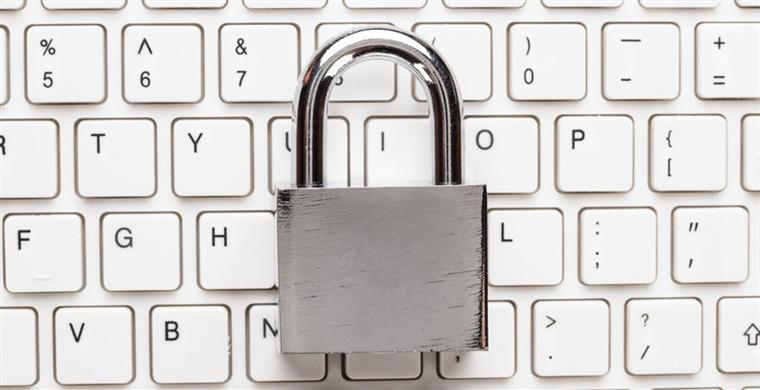 亚马逊客户服务部门表示将着手调查安全问题